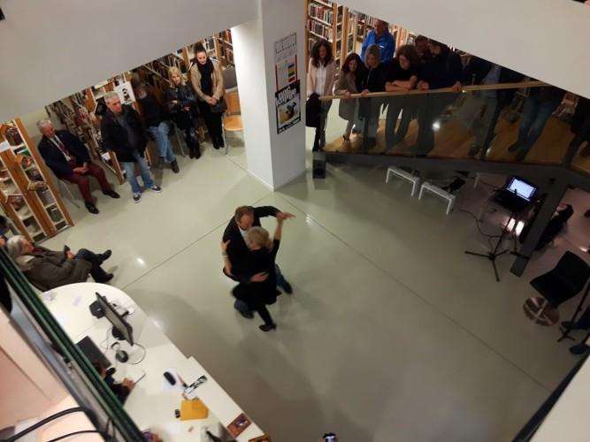 Gužva u knjižnici: Ples ljubavi, zvuci drevnog perzijskog tara i snaga Borgesovih riječi